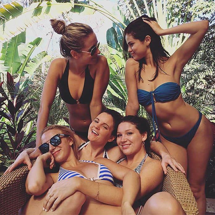 21+ Selena Gomez Instagram Thong  Wallpapers