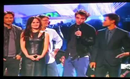Robert Pattinson Introduces New Breaking Dawn Part 2 Footage at MTV VMAs