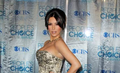 People's Choice Awards Fashion Face-Off: Kim vs. Kourtney!