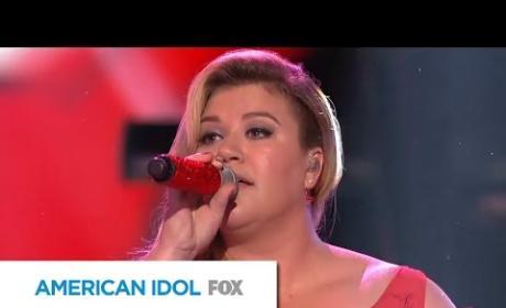 """Kelly Clarkson - """"Heartbeat Song"""" (American Idol)"""
