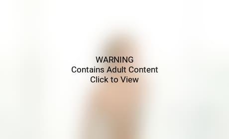 Strip Paris Hilton Naked 17