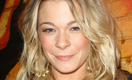 LeAnn Rimes Talks Stretch Marks, Bikini Body on Instagram