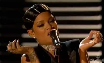 "Rihanna Wins AMA Icon Award, Performs ""Diamonds,"" Thanks Mom in Acceptance Speech"