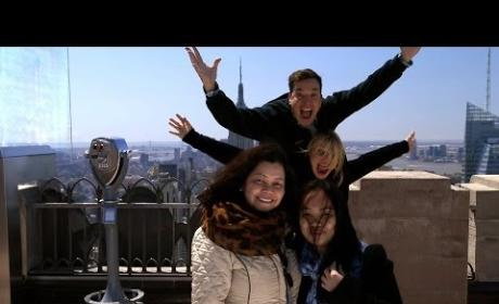 Jimmy Fallon and Cameron Diaz Photobomb Tourists