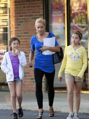 Kate Gosselin, Mady and Cara