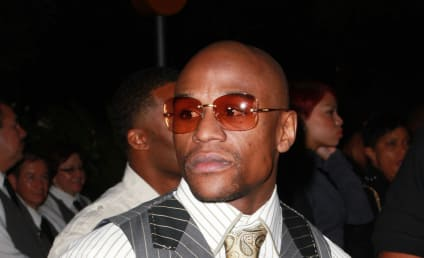 Floyd Mayweather: Text Message Marriage Proposal, Bizarre Threats Revealed in Court Documents