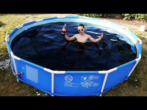 Man Bathes In 1 500 Gallons Of Coke Tons Of Mentos The Hollywood Gossip