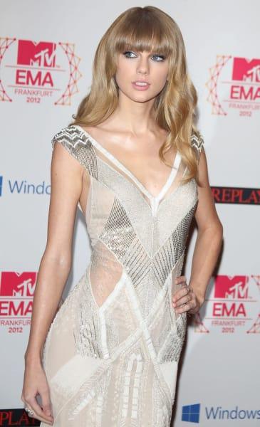 Taylor Swift, Straight Hair