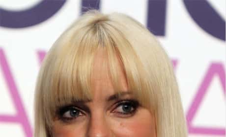 Anna Faris Rocks a Mean Bang