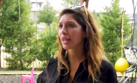"""Farrah Abraham Accuses Dad of """"Making Plans"""" With Debra"""