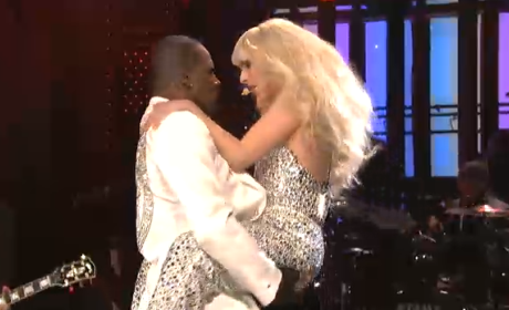 Lady Gaga, R. Kelly SNL Performance: Do What U Want