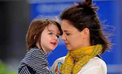 Suri Cruise & Katie Holmes: A Tender Moment