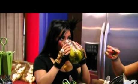 Snooki Loves Pickles!