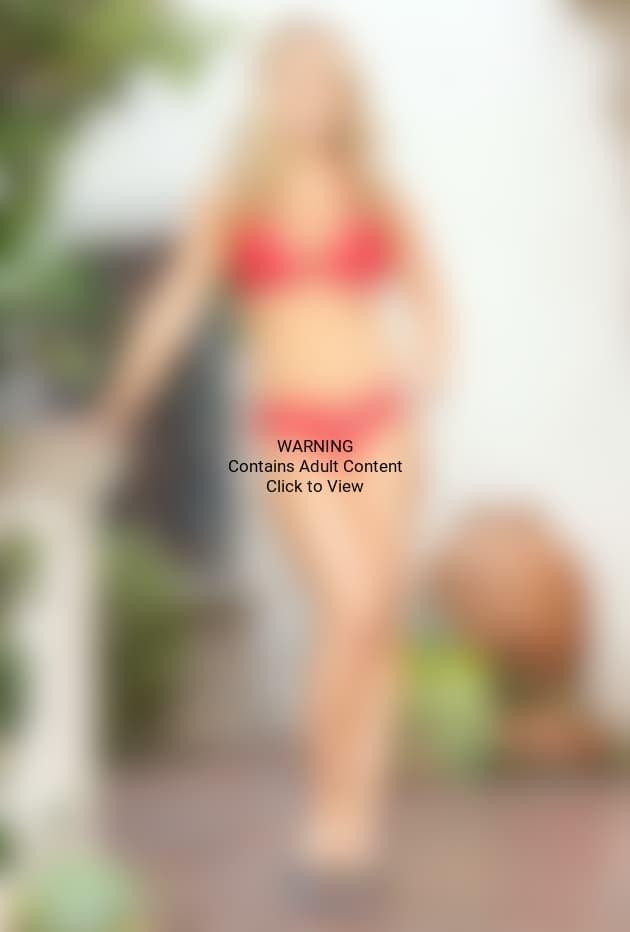 Kendra Wilkinson Bikini Picture