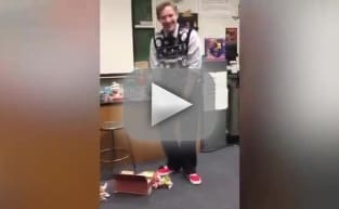Students Surprise Favorite Teacher with Perfect Christmas Gift