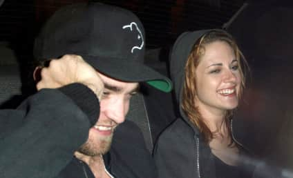 Robsten: Spotted... and Smiling!