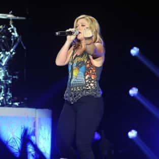 Kelly Clarkson in Ireland