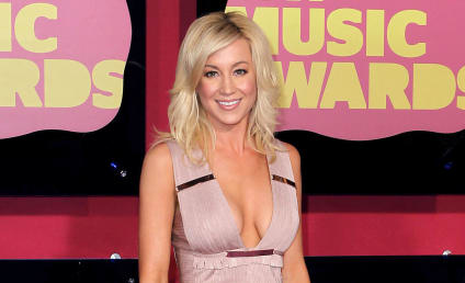 Celebrity Hair Affair: Kellie Pickler