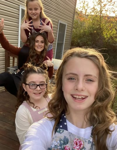 Leah Messer with Daughters