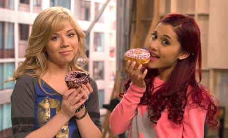 Ariana Grande and Jennette McCurdy Picture