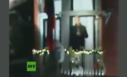 Julian Assange Christmas Video: Wishing You a Happy, WikiLeaks-Filled New Year!