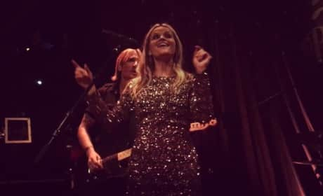 "Reese Witherspoon Sings ""Sweet Home Alabama"" at 40th Birthday Party"