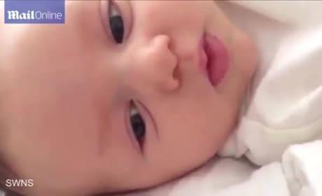 """Genius Baby Says """"Hello"""" at 7 Weeks Old"""