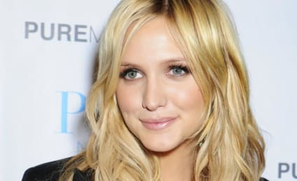 Ashlee Simpson Back in L.A., Still Worthless