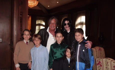 Mohamed Hadid and Michael Jackson Pose With Their Children
