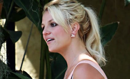 Molly Sims to Britney Spears: Pull it Together!