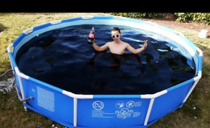 Man Bathes in 1,500 Gallons of Coke, Tons of Mentos