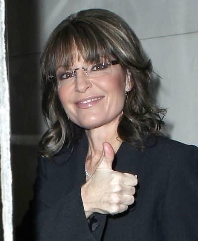 Thumbs Up From Sarah Palin