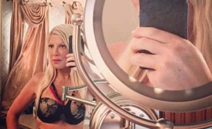 Tori Spelling Bra Selfie: Looking Good! (And a Little Desperate)