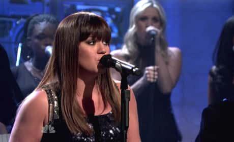 Kelly Clarkson on SNL