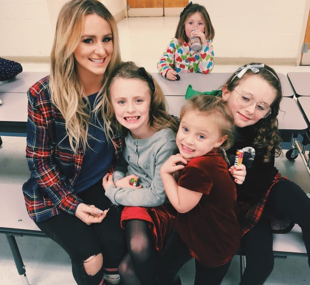 leah messer fights to prevent teen pregnancy  hero or hypocrite