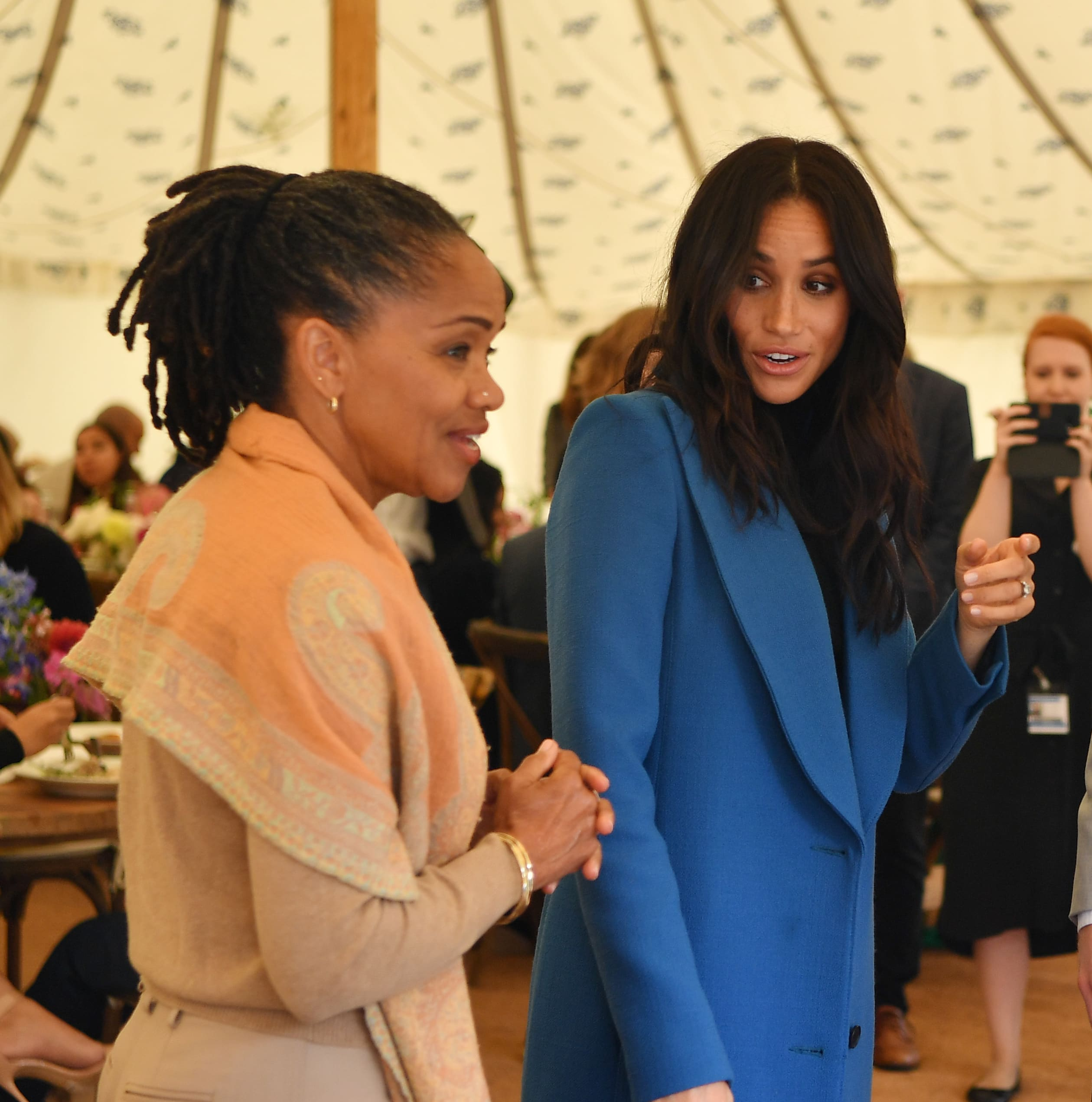 Meghan Markle Mom Help Me Fight The Royals The Hollywood Gossip