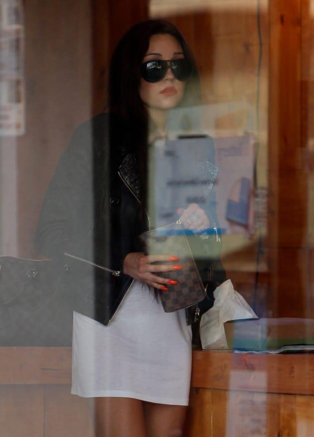 Amanda Bynes Shopping
