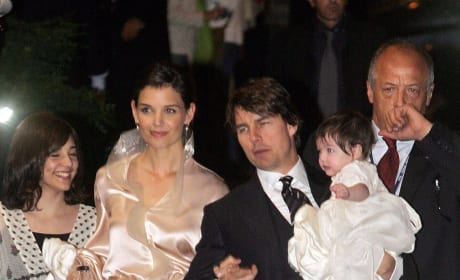 Tom Cruise Holds Suri Cruise Katie Holmes Italy