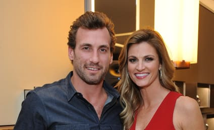 Erin Andrews: Engaged to Jarret Stoll!
