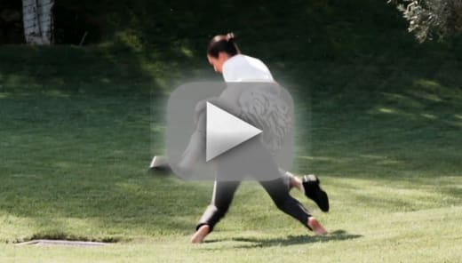 Kendall jenner physically fights kourtney kardashian in new prom