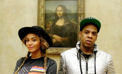 Beyonce and Jay Z Take Blue Ivy to the Louvre, Pose For Mona Lisa Selfie
