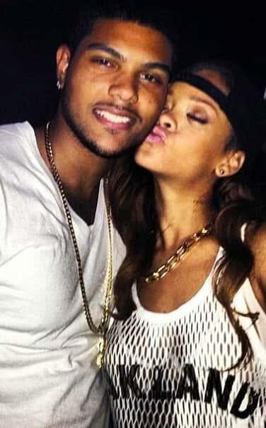 Rihanna Fan Kiss