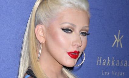 Christina Aguilera: Butt Implant Rumors Sparked By Curvy Red Carpet Appearance