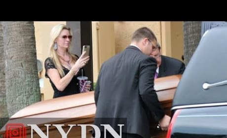 Jackie Siegel Takes Photos at Daughter's Funeral
