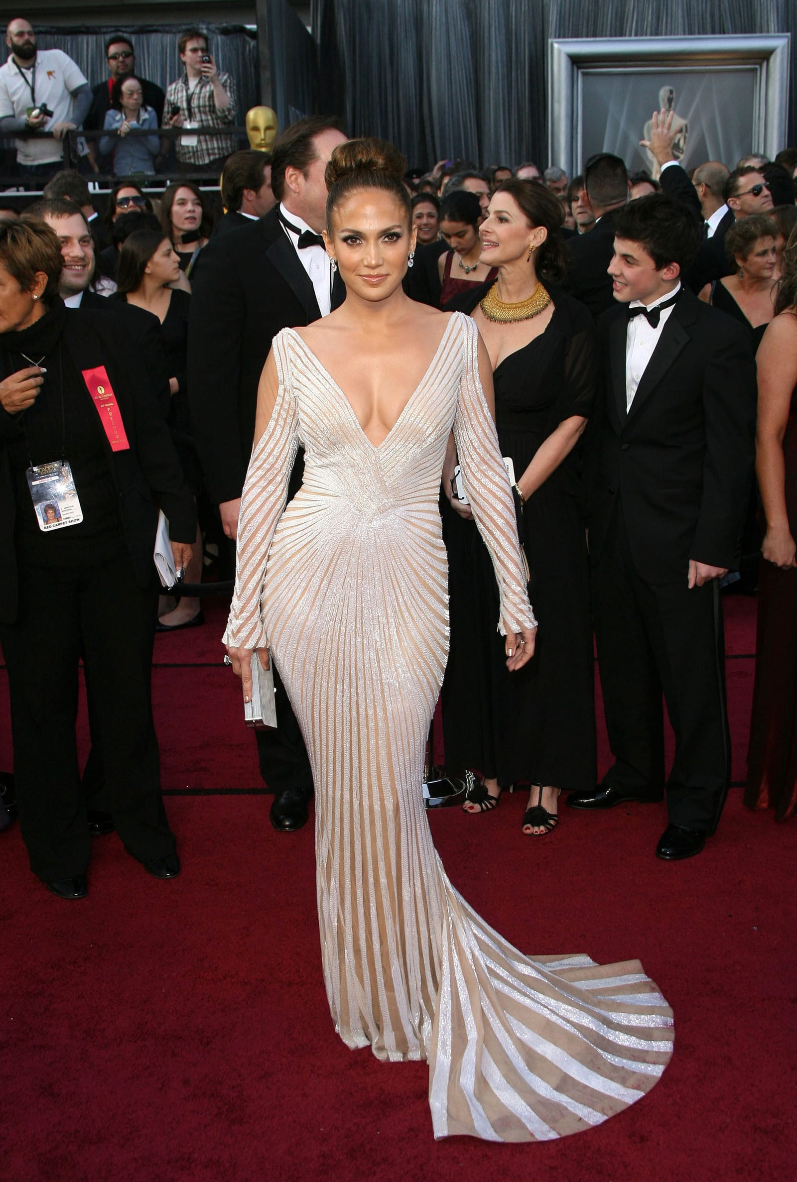 Jennifer Lopez Stylist On Revealing Oscar Dress No Nip Slips Here