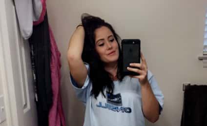 Jenelle Evans Posts Baby Bump Selfie, Teases New Season of Teen Mom 2