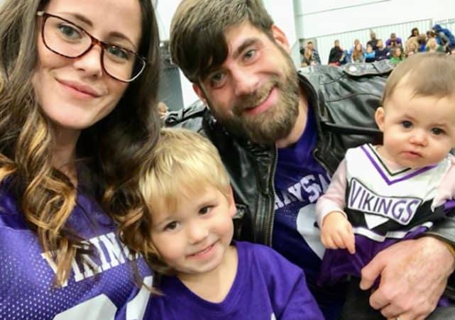 Jenelle evans family selfie