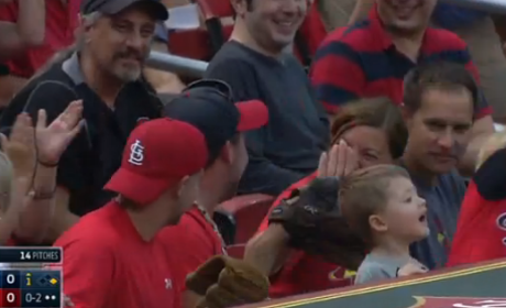 Cardinals Fan Throws Back Foul Ball