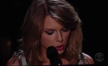 """Taylor Swift Debuts """"All Too Well"""" at 2014 Grammys, Flips Hair A Lot"""