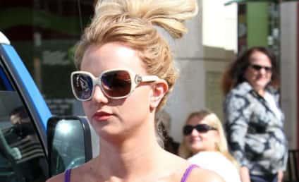 Britney Spears: No Bra, No Problem